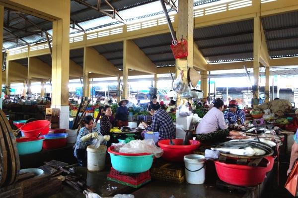 ニャチャン市場1