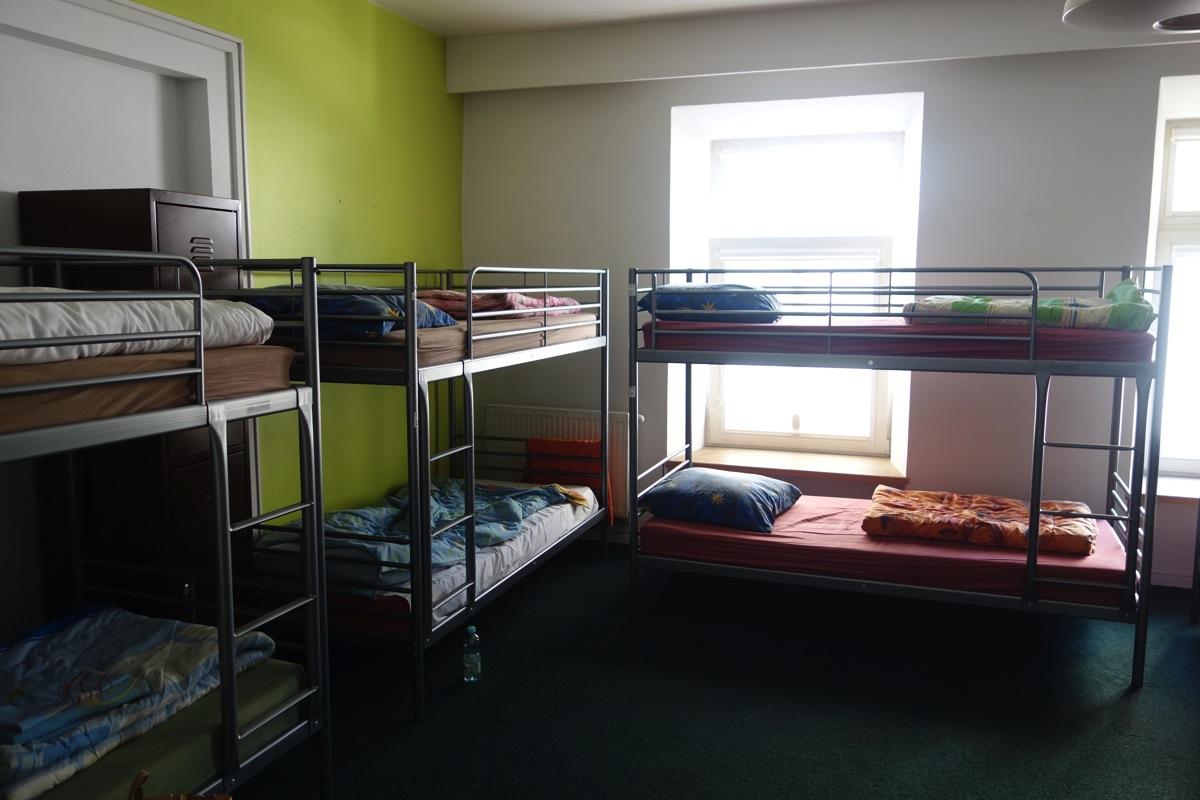 hostelgate1